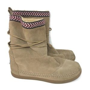 Toms Nepal Beige suede boots 7